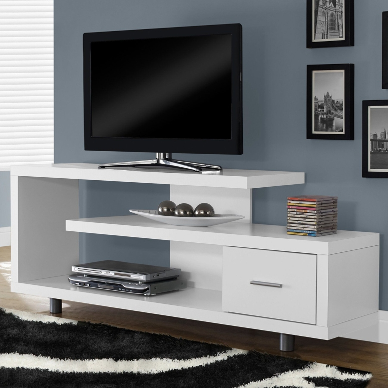 A Small TV Unit - Gunina Knox Apartment MJ Lifestyle Avershine SJR Primecorp Parkway Homes Baldota serenity Alpine Square